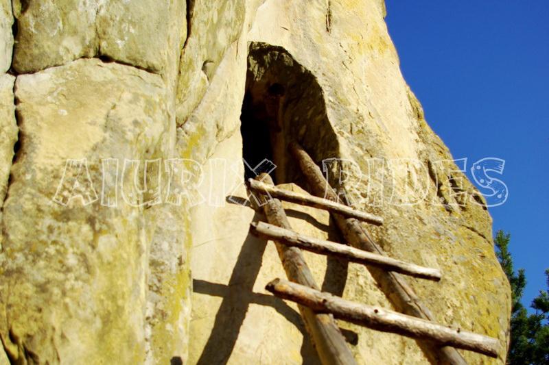excursie asezarile rupestre