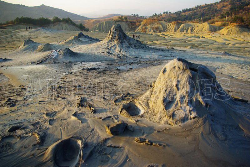 excursie vulcanii noroiosi
